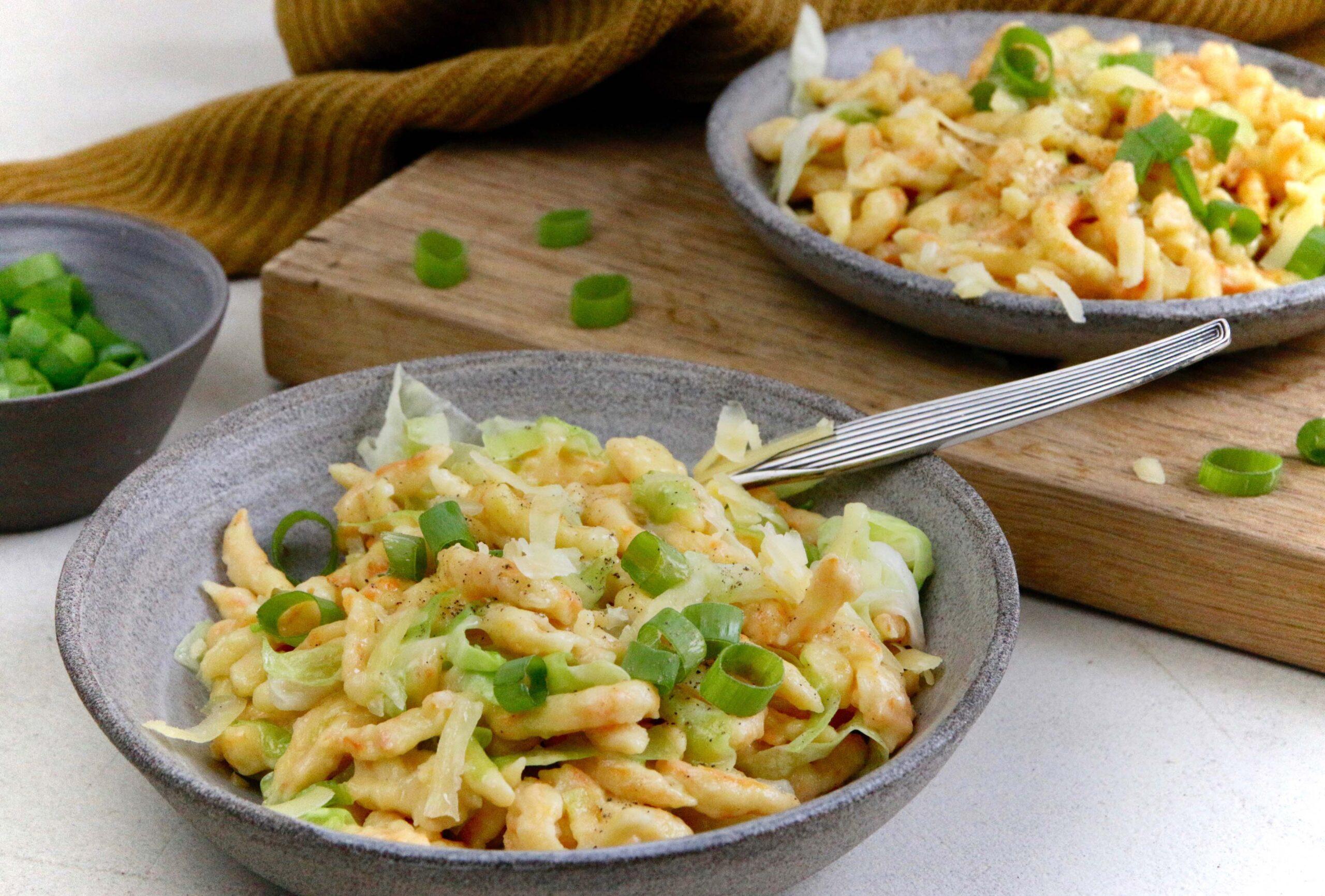 Kässpatzen mit Cheddar und Spitzkohl regional und lecker aus bio Gemüse Gärtnereien